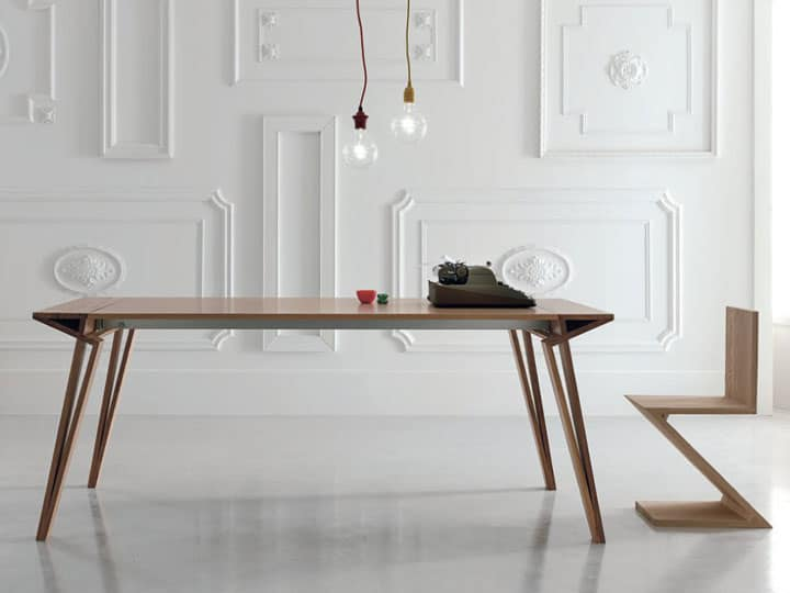 Oblique-extendable-table