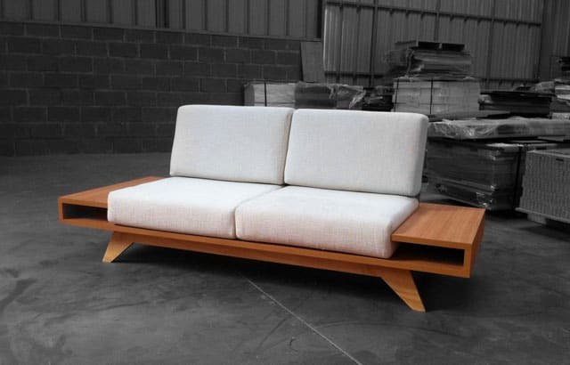 Float-Sofa
