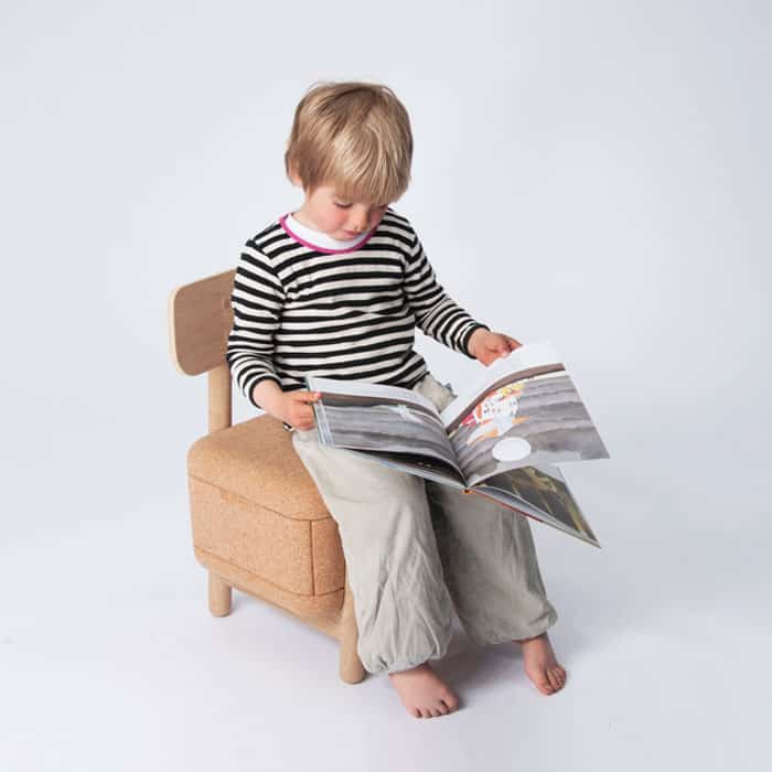 OakoaOak-kids-chair-with-storage