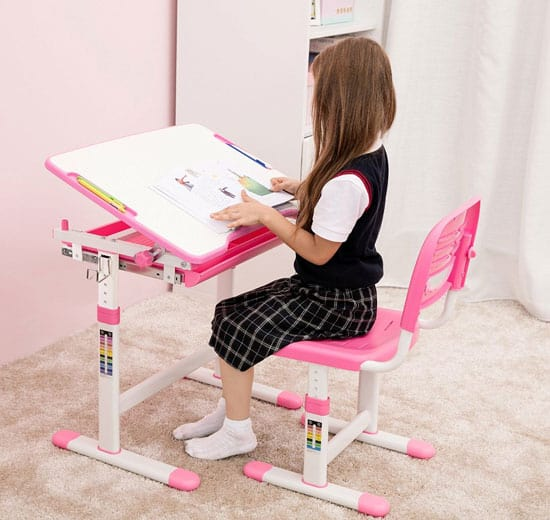 8 Ergonomic Chairs Amp Desks For Children Vurni