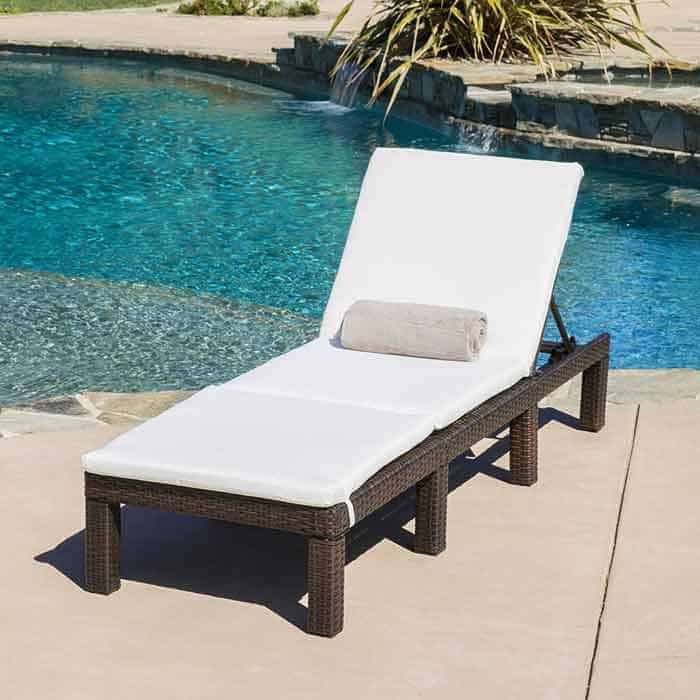 Contemporary Outdoor Loungers Vurni