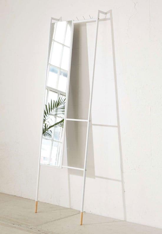 Leni Leaning Mirror With Clothing Storage Vurni