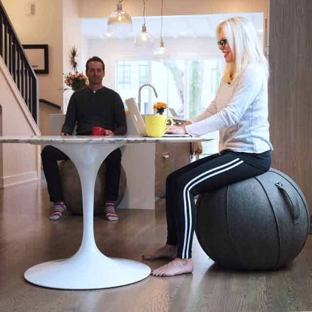 7 Amazing Birthing Balls That Double As Office Chairs Vurni